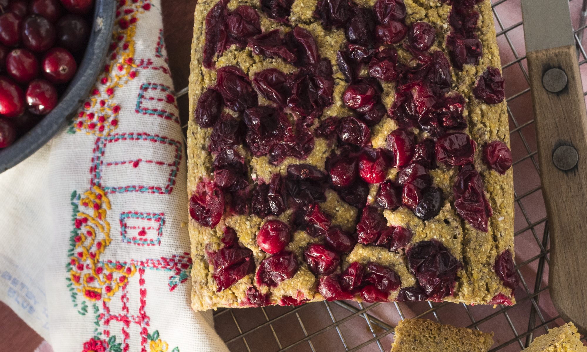 CORNBREAD WITH CRANBERRIES